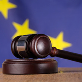 Evropská komise zvažuje další zákazy plastových obalů
