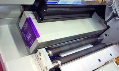 Nová oborová skupina navrhuje certifikaci UV potisku obalů