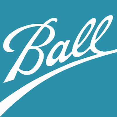 Ball potiskuje víčka nápojových plechovek